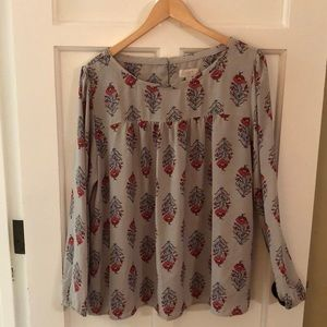 Long sleeve blouse.